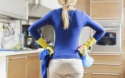 Contratar a una empleada de hogar extranjera
