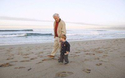 Consejos para decirle a un niño que el abuelo tiene Alzheimer